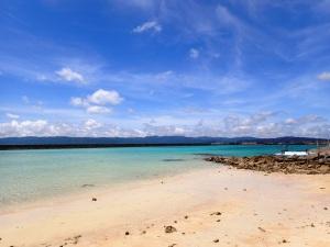 鳩間島の海と空